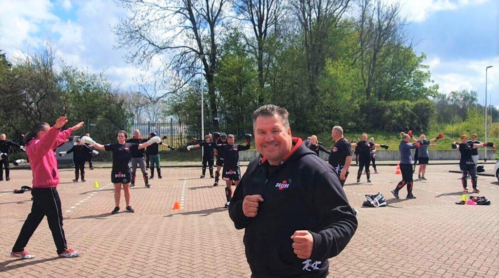 Zoetermeerders zijn superblij met de kickboksvereniging van Raimond: 'We zijn nu zelfs club van het jaar!'